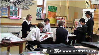 Sedburgh School艺术课组员讨论