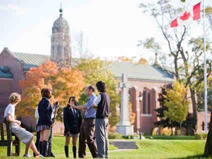 低龄留学加拿大 公立和私立学校五大差别